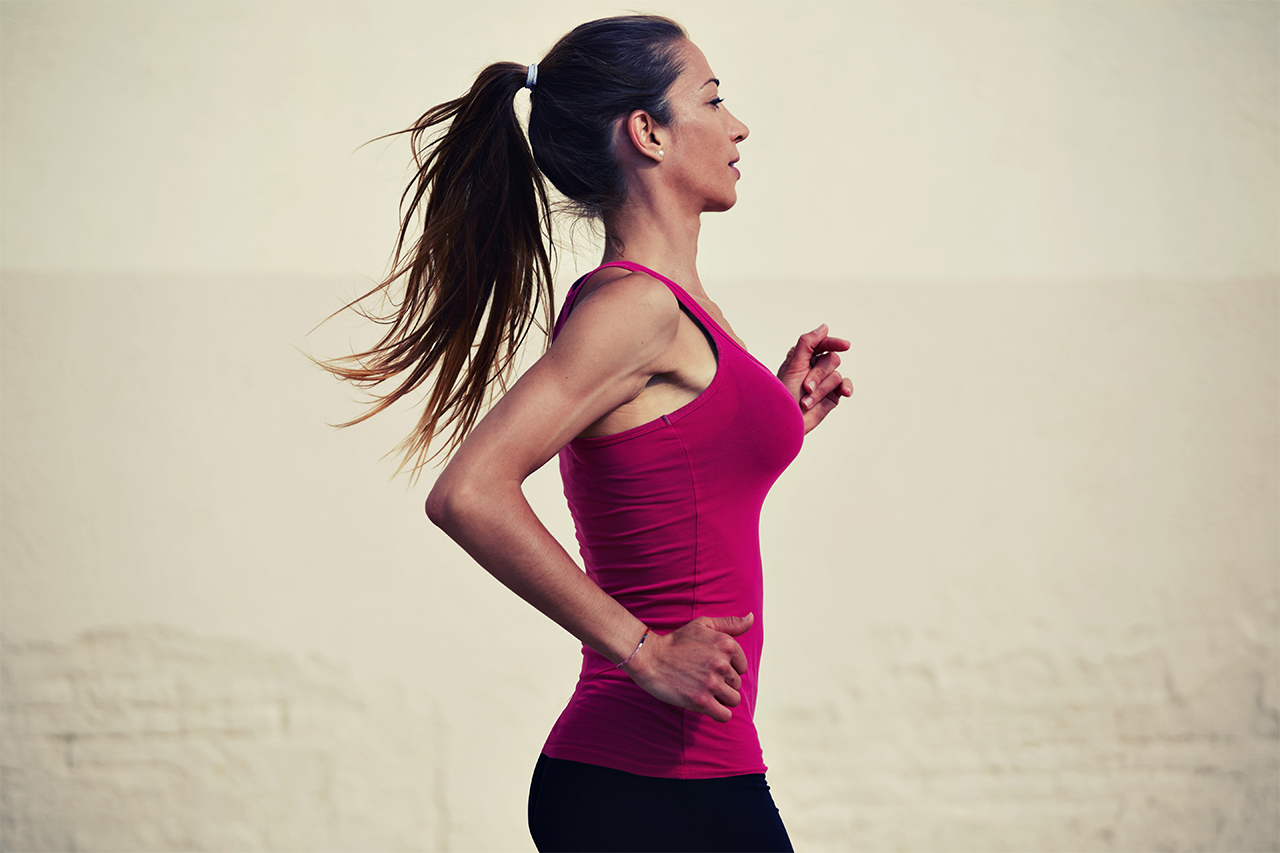 fast-acai-na-tigela-atleta-mulher-run-runners