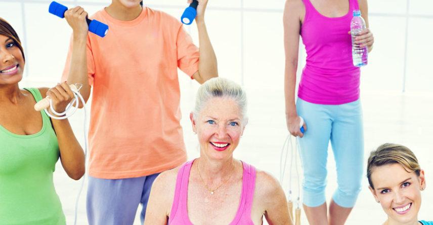 Conheça as atividades físicas indicadas para mulheres em cada idade
